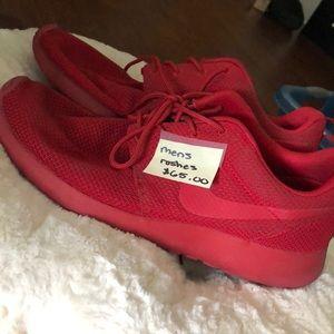 Mens Nike Roshes, size 10.5